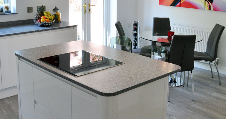 Roma in White Gloss & Washed Stone – Rothley